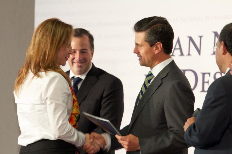 Lore-Presidente2013 (1)